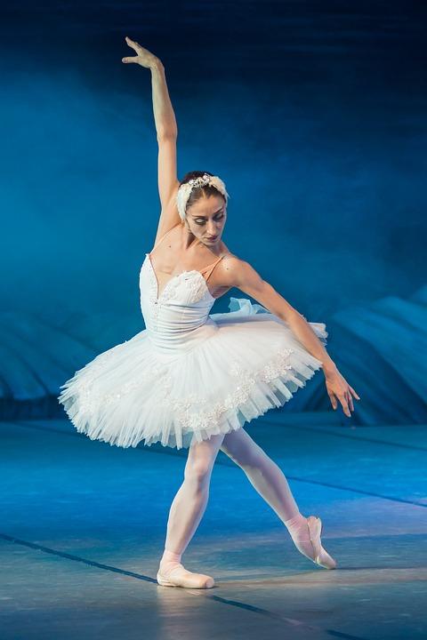 ballerina-2122473_960_720